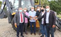 Governo do Tocantins recebe retroescavadeiras para viabilizar obras de saneamento nos municípios concessionários
