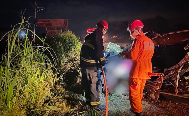 Luzimangues: socorristas do CBMTO desencarceram corpo de motorista
