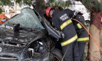 Bombeiros militares desencarceram corpo do motorista após grave acidente na TO-050, em Palmas