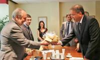 Comitiva do Tocantins chega à Espanha e é recebida no Consulado do Brasil em Barcelona