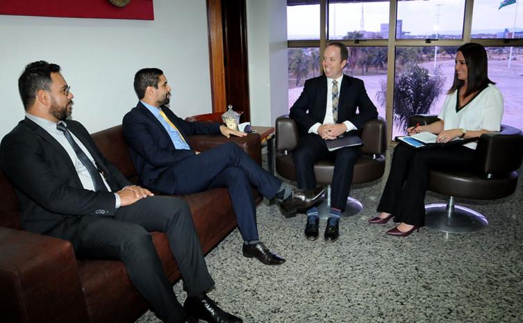 Secretário da Casa Civil, Rolf Vidal recebe o vice-cônsul da embaixada dos EUA