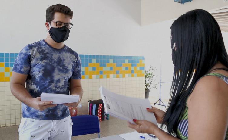 Escolas organizaram a entrega do material de estudos impresso para alunos das unidades de ensino urbanas e rurais