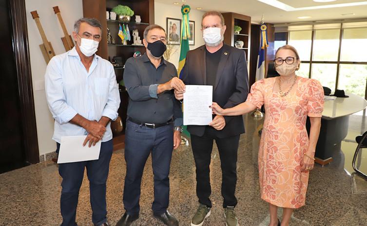Governador Carlesse recebe prefeito de Augustinópolis e reforça caráter municipalista da gestão
