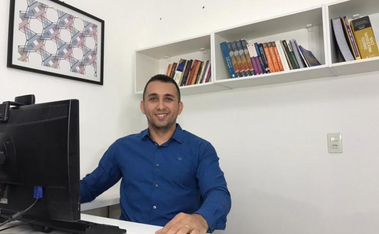 Prof Dennis - Unitins - autor da pesquisa Hanseniase - Mestre em Saude Publica.jpg
