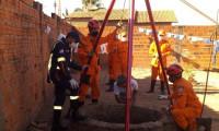 Em Paraíso, bombeiros militares resgatam criança que caiu em cisterna