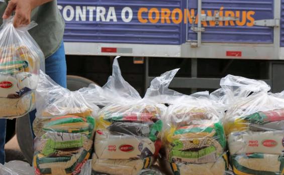 Governo do Tocantins entrega cestas básicas para 3,5 mil famílias em mais 15 municípios do Estado
