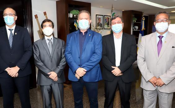 Governador Carlesse assina renovação de isenção de ICMS sobre combustível nos voos Palmas-Recife
