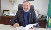 Governador Carlesse assina ordem de serviço para pavimentação em vias urbanas e retoma obras de hospital na região do Bico do Papagaio