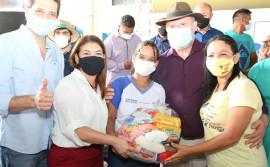 Governo do Tocantins entrega kits de alimentos para comunidade escolar no Bico do Papagaio