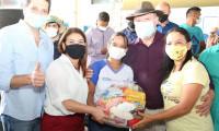Governo do Tocantins entrega kits de alimentos para estudantes de Araguatins e Axixá do Tocantins
