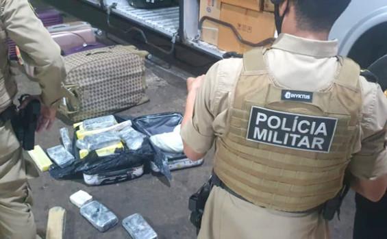 Polícia Militar apreende 32 kg de entorpecentes e prende uma mulher por tráfico na rodoviária de Gurupi