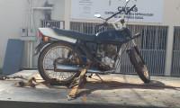 Equipe de fiscalização do DETRAN/TO apreende moto circulando com placa inadequada