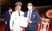 Secretário da Administração recebe a maior honraria do Corpo de Bombeiros Militar do Tocantins