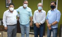 Tratando de assuntos pertinentes ao município de São Valério do Tocantins, presidente do Itertins recebe prefeito Olímpio Arraes.