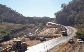 Governo do Tocantins faz correção de curva perigosa conhecida como Apertado da Hora, na TO-387, em Palmeirópolis