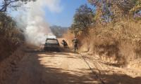 Dianópolis: carro de passeio pega fogo quando subia serra