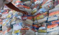 Governo do Tocantins atende 500 familias em Araguaína em mais uma etapa de entrega de cestas básicas