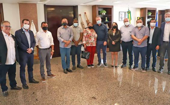 Governador Mauro Carlesse apresenta a prefeitos da região do Jalapão benefícios do projeto de concessão dos Parques Estaduais do Tocantins