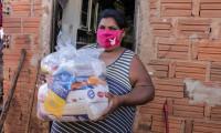 Governo do Tocantins entrega kits de alimentos em 22 municípios de várias regiões do Estado