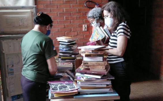Naturatins retoma rodízio de leitura do projeto Geladeiroteca
