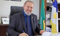 Governador Mauro Carlesse entrega 179 títulos registrados para famílias de Gurupi, nesta sexta, 24