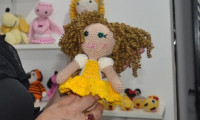 Seciju segue com campanha de arrecadação de materiais para confecção de bonecas de crochê a serem doadas no Dia das Crianças