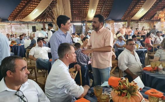 Vice-governador Wanderlei Barbosa participa do 7º Leilão Nelore JEM em Caseara