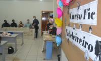 Seciju e Seduc iniciam curso de cabeleireiro para monitorados do regime semiaberto do Sistema Penal