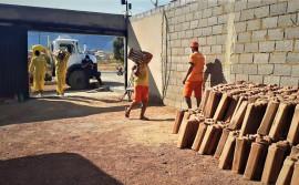 Reforma no telhado da Unidade Penal de Taguatinga é realizada pela Seciju com mão de obra de custodiados