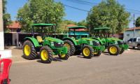 Governo do Tocantins inicia entrega dos 36 tratores adquiridos para fortalecer agricultura familiar