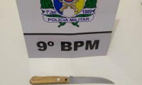 Homem é preso pela PM suspeito de ameaçar a esposa com faca em Sampaio
