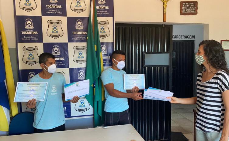 """Certificação da UFT pelo """"clube da leitura"""""""