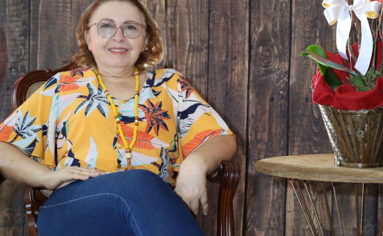 professora Maria de Lourdes