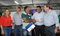 Governo entrega títulos de regularização fundiária no município de Taguatinga