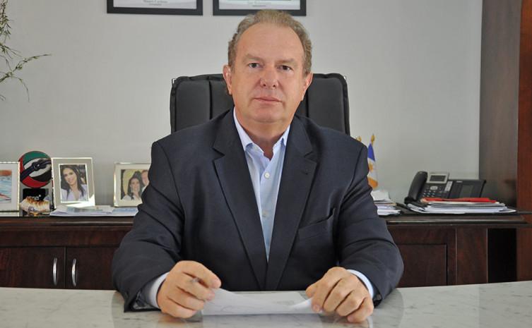 O governador Mauro Carlesse prorrogou até 31 de julho de 2020 a jornada de 6 horas e o trabalho remoto para os servidores públicos do Executivo Estadual, além da suspensão das aulas, como medida para evitar a propagação da Covid-19