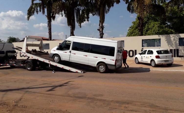 Veículo apreendido realizando transporte clandestino no município de Colinas do Tocantins
