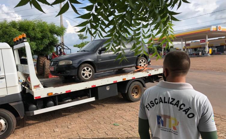 Veículo clandestino  foi apreendido após abordagem da fiscalização