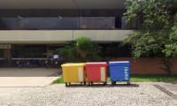 ATR recebe contêineres para coleta seletiva de resíduos recicláveis